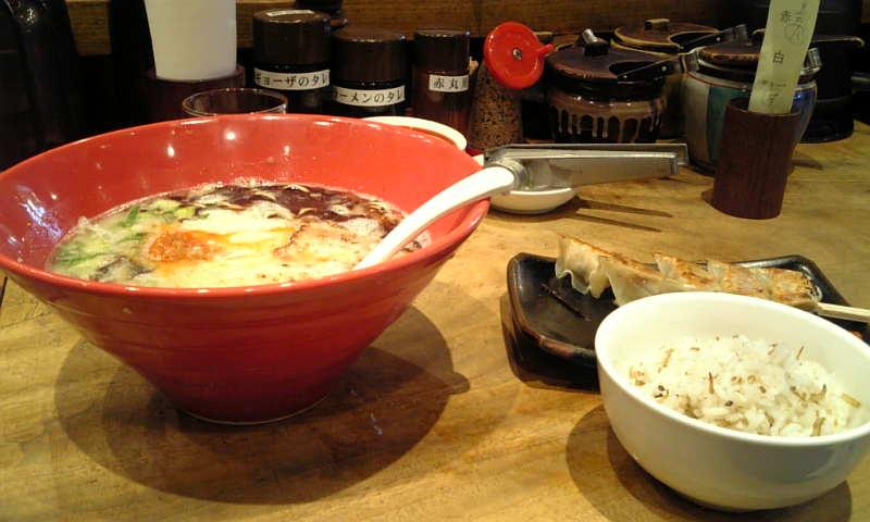 札幌で博多ラーメン